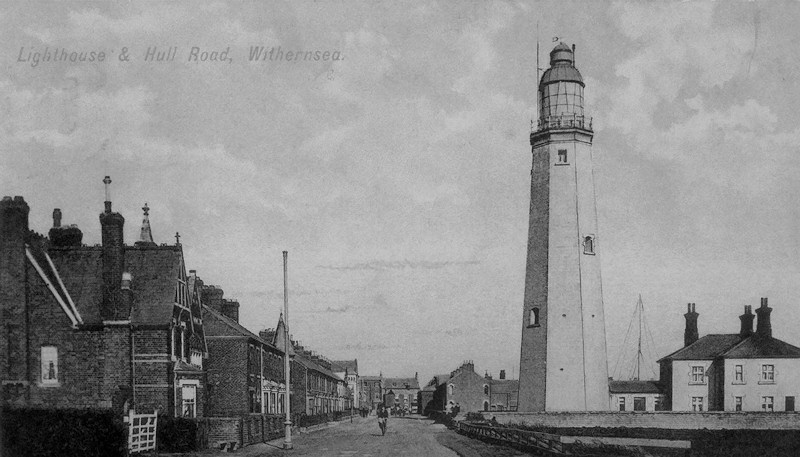 Hull Road and Lighthouse